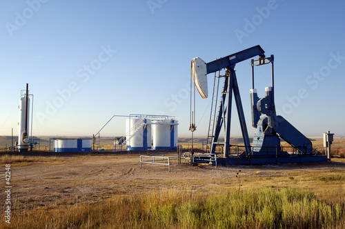 oil well and storage tanks - 42248