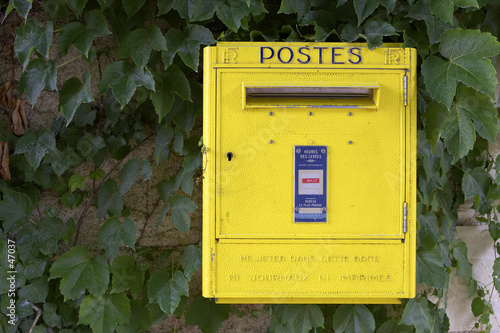 yellow french post box