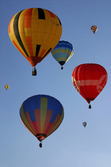 montgolfières multicolores