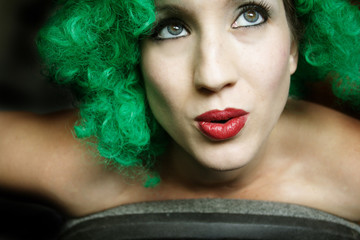 green wig woman