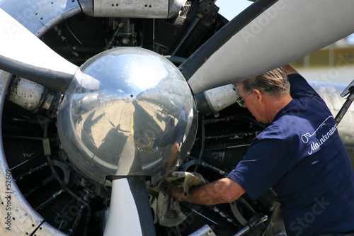 maintenance moteur avion