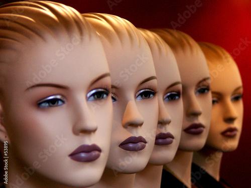 visages mannequins t-shirt