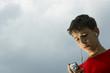 Leinwanddruck Bild - teens listen to mp3 player