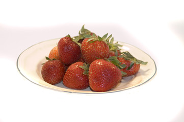plate of strawberrys