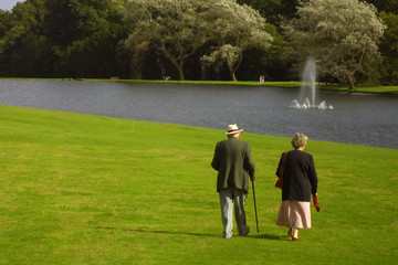 eldely couple in the park