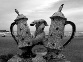 the couple of teaspots