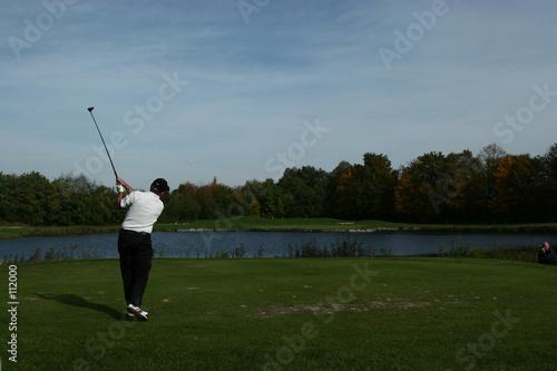 loin devant au golf