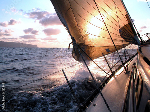 Staande foto Zeilen sailing to the sunrise