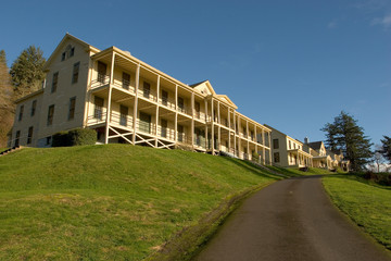 barracks, fort columbia