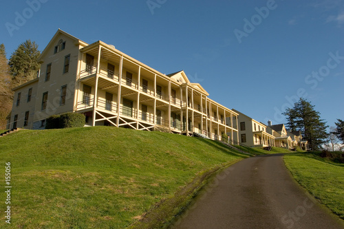 barracks, fort columbia