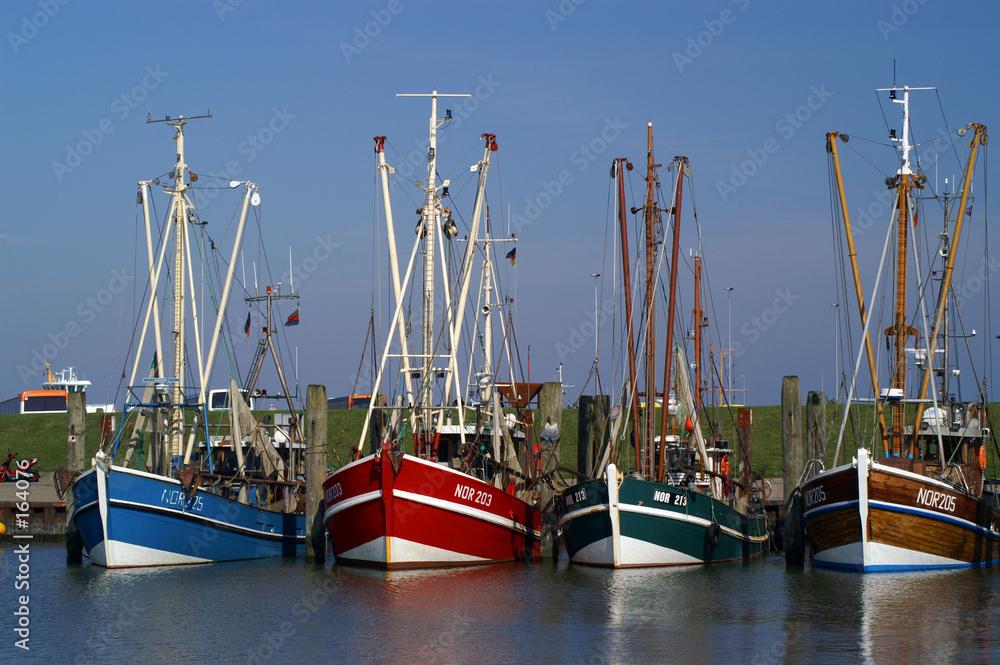statek statek ryba - powiększenie