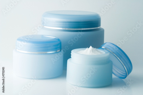 Leinwanddruck Bild cosmetic creams (2)