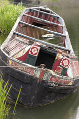 sinking narrow boat