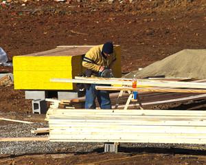 trim carpenter working
