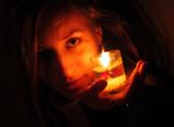 dívka v soumraku