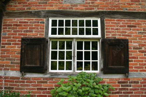 sprossenfenster mit holzfensterl den von martina berg. Black Bedroom Furniture Sets. Home Design Ideas