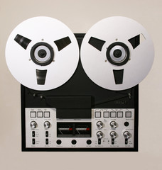 retro open reel tape recorder