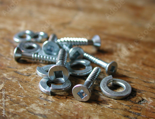 wood screws and split rings