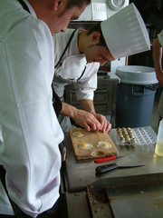 cuisiniers au travail