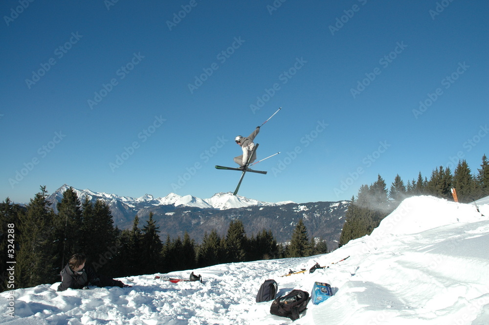 snowboarder narty freestyle - powiększenie