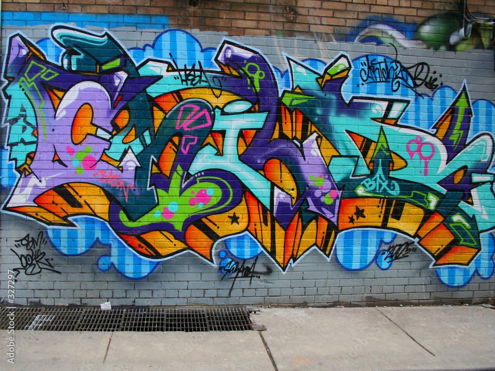 Graffiti w przejściu - powiększenie