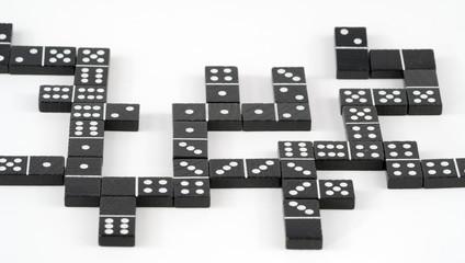 domino verzwickt