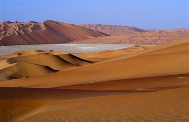 liwa dunes and shapkra