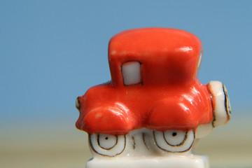 petite voiture rouge