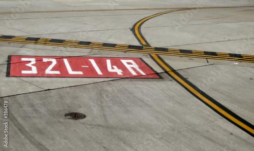 runway - 386478