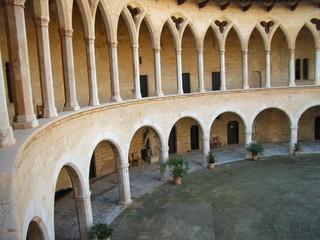 claustro del castillo