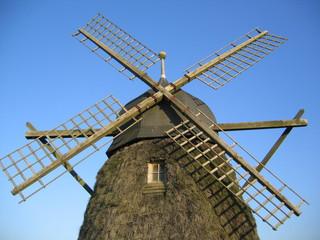 windmühle grönne strand