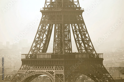 eiffel tower close-up view © Albo
