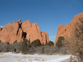 the mountains at the garden of the gods