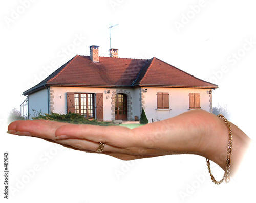 hand hold ing house