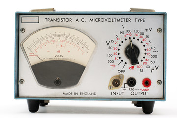 microvoltmeter