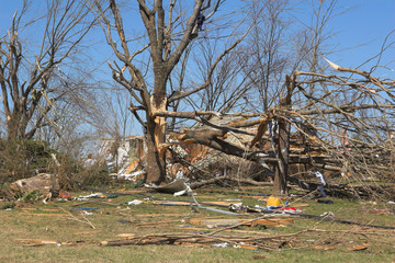 tornado damage ky 2d