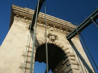 budapest chain bridge arch