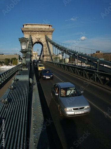 traffic on budapest chain bridge