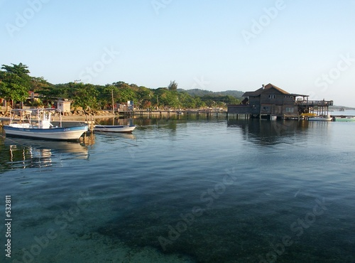 house on the beach of roatan (bay islands)