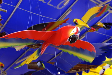 craftsmenship birds - brazilian araras