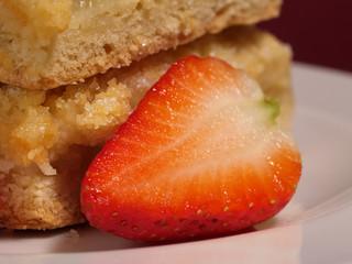 apple crumble cakes
