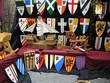 escudos barcos y juguetes de madera