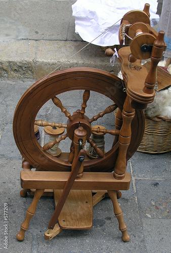 maquina antigua para hilar algodon
