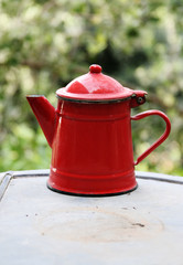 old  red   kettle