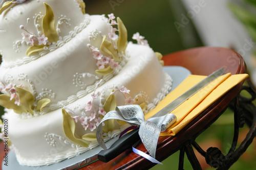 Фото выноса свадебного торта
