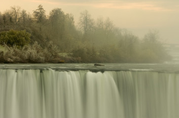 the natural beauty of niagra falls