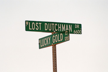 streetsign: lost dutchman/lucky gold
