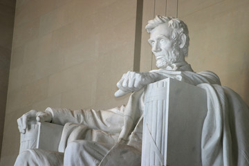 lincoln memorial (left side close-up)