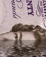 sinking uk pound