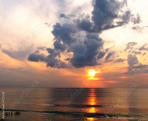 Leinwanddruck Bild evening on the sea